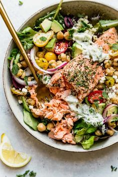 Healthy Salmon Recipes, Fish Recipes, Seafood Recipes, Cooking Recipes, Healthy Spring Recipes, Mediterranean Bowls, Healthy Fats, Healthy Eating, Dinner Healthy