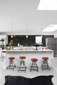 Modern kitchen pictures and photos for your next decorating project. Find inspiration from of beautiful living room images Industrial Style Kitchen, Edwardian House, Kitchen Pictures, Kitchen Ideas, Kitchen Planning, Christmas Kitchen, White Christmas, Xmas, Hallway Decorating