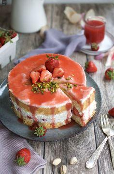 Erdbeer-Biskuit-Tort
