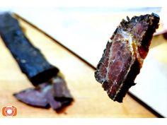 Moravské sušené žerky z vyzrálého masa chovu Aberdeen Angus z Mitrova. Aberdeen, Steak, Food, Essen, Steaks, Meals, Yemek, Eten