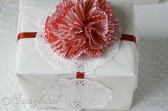 So cute, red and white.