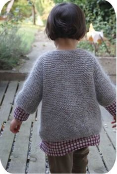 Most of the sweater patterns I would like to knit for myself are only for kids. Knitting For Kids, Crochet For Kids, Knitting Projects, Baby Knitting, Knit Crochet, Fashion Kids, Little Girl Fashion, Cute Sweaters, Baby Sweaters
