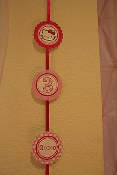 Clever ideate make a garland out of cupcake topper printables
