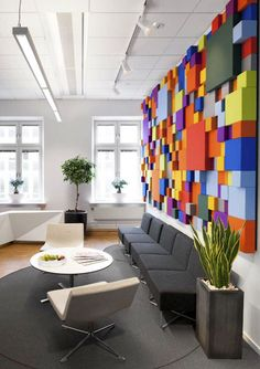 30 Modern Office Design ideas and Home Office Design Tips | Read full article: http://webneel.com/home-modern-office-design-ideas | more http://webneel.com/graphic-design | Follow us www.pinterest.com/webneel