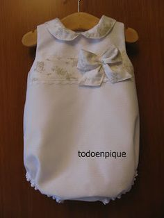 TODO EN PIQUE para bebe - She's a little big for a bubble this summer (sniffle, sniffle) but I love the light toile pattern on white.