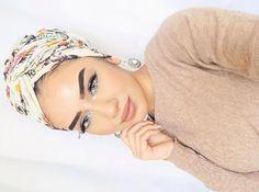 @aaliyah.jm our floral hijab ❤️