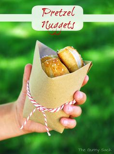 {Auntie Anne's Inspired} Soft Pretzel Nuggets-