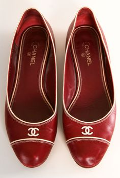 Chanel Flats in Dark Red.