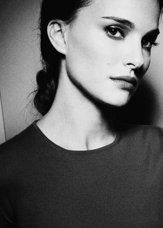 Natalie Portman, black and white photo, love the look