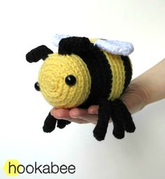 Little Bobby the bumble bee amigurumi crochet pattern by @hookabee crochet (www.hookabee.com) #crochet #amigurumi #bumblebee #bee #pattern #stuffedanimal
