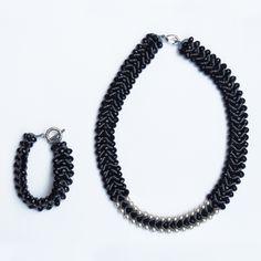 Black rain necklace & bracelet Set #narmina #handmade #handmadejewelry #accessories #fashionblogger #shop #necklace #tshirts #blue #gold