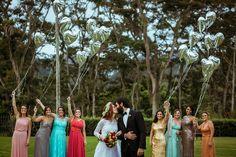 Foto com as Madrinhas | Casamento | Wedding | Madrinha de Casamento | Vestido de Madrinha | Bridemaid | Bridemaid Dresses | Madrinhas com Vestido Colorido | Inesquecível Casamento