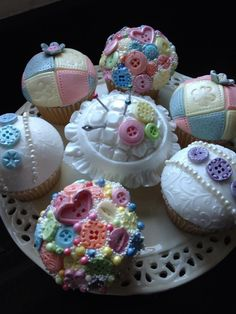 My button cupcakes - a beautiful theme for a modern baby shower.