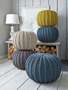 CI_Nordic-House-Chunky-Knit-Poufs.jpg.rend.hgtvcom.1280.1707