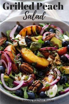 Easy summer grilled peach salad made with burrata, arugula, blueberries, pecans and avocado and topped with balsamic honey mustard dressing. #salad #bbq #summerrecipe #peaches #burrata #honeymustard #vegetarianrecipe #bbqsides | happykitchen.rocks Vegetarian Grilling, Grilling Recipes, Vegetarian Recipes, Vegetarian Lunch, Keto Recipes, Grilled Peach Salad, Grilled Peaches, Healthy Side Dishes, Side Dish Recipes