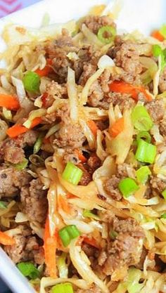 Eggroll in a Bowl 1 lb ground country sausage 1 bag dry coleslaw mix (shredded cabbage and carrots) 5 cloves garlic, minced cup soy sauce (low sodium is best) 1 teaspoon ginger sliced green onion cabbage recipes Paleo Recipes, Asian Recipes, Dinner Recipes, Low Sodium Recipes, Slow Carb Recipes, Egg Roll Recipes, Weeknight Recipes, Asian Foods, Restaurant Recipes