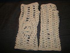 Skull Gauntlets - Free crochet pattern by Alice Bakker-Sicking. Free matching hat pattern here:  http://www.ravelry.com/patterns/library/helmet-or-cap-with-skulls