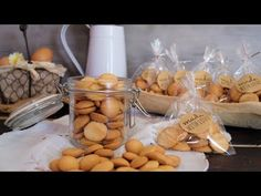 Nun fart cookies biscuits to share or sell Mantecaditos, Spanish Food, Yummy Cookies, Biscuits, Garlic, Stuffed Mushrooms, Sweets, Cheese, Homemade
