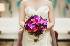http://www.triedandtrueweddings.com/2012/06/my-wedding-flowers.html  Flowers by Bella Bloom Florals  Photography by Jay Eads