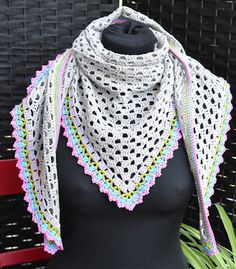 "Atelier Marie-Lucienne: ""Lisbeth"" – A Light Summer Shawl / Ein leichter So... is featured on The Linky Ladies Party #102."