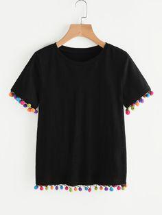 Camiseta con ribete de pompones