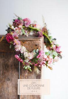 ©Marion Heurteboust – DiY – Une couronne de fleurs fraiches – La mariee aux pieds nus pour Bippity