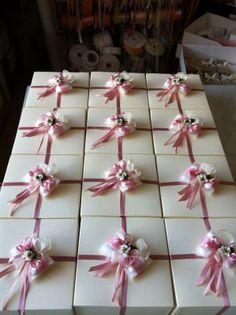 Bomboniere Cresima Advent Calendar, Gift Wrapping, Holiday Decor, Gifts, Home Decor, Gift Wrapping Paper, Presents, Decoration Home, Room Decor