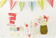 Chegou o Verão!!! Vamos celebrar???? Está oficialmente aberta a época para as festas cheias de cor e alegria!!! Gostam da ideia??? Eu adoro!!! Vejam o que a Sizzix preparou para nós!! Cliquem na im…