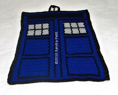 Ravelry: Mini Police Box pattern by Sandra Petit