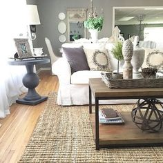 Gorgeous French Country Living Room Decor Ideas (13)
