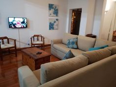 Talyllyn Self-Catering apartment just off Florida Road - the vibiest road in Durban. Kings Park, Kwazulu Natal, Rugby, Catering, Restaurants, Destinations, Florida, Sleep, Popular