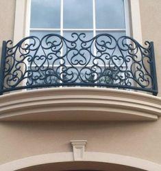 Balcony Grill Design, Balcony Railing Design, Iron Stair Railing, Staircase Railings, Iron Gate Design, Wrought Iron Decor, Iron Balcony, Iron Doors, House Design