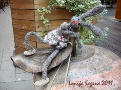 Crochet Hare 2011 by Lonija Sagena. For more visit http://www.lofonsa.blogspot.com/