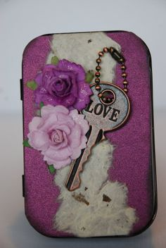 Altered+Altoid+Tin+and+mini+scrapbook++Key+to+by+WindyDayzDesigns,+$12.00