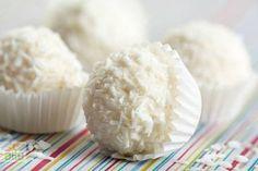 Kahveli fıstık kurabiyesi tarifi... Oldukça hafif bir tadı olan bu kurabiyeyi misafirleriniz çok beğenecek. http://www.hurriyetaile.com/yemek-tarifleri/kurabiye-biskuvi-tarifleri/kahveli-fistik-kurabiyesi-tarifi_2027.html