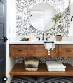 Trendy Bathroom Wallpaper Black And White Sinks Decor, Bathroom Inspiration, Bathroom Decor, Bathrooms Remodel, Bathroom Wallpaper, Hill Interiors, Home Decor, Bathroom Design, Remodel Bedroom