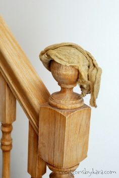 How to transform an ugly banister with stain and paint. - How to transform an ugly banister with stain and paint. How to transform an ugly banister with stain and paint. Painted Stair Railings, Oak Handrail, Stair Banister, Painted Staircases, Painted Stairs, Banisters, Wood Balusters, Stair Risers, Spiral Staircases