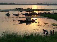 Beautiful Bangladesh ©: Sunset at Padma River Scenery Paintings, Watercolor Landscape Paintings, Bangladesh Travel, Village Photography, Village Photos, Hyper Realistic Paintings, Buddha Meditation, Landscape Photos, Nature Photos