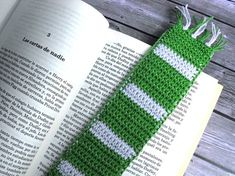 Scarf crochet bookmark Bookish gifts Book club gift Geek bookmark Book lover gift Gryffindor Ravenclaw Slytherin Hufflepuff Potterhead Ravenclaw, Slytherin House, Harry Potter Wedding, Harry Potter Birthday, Crochet Bookmarks, Crochet Humor, Crochet Scarves, Knitted Hats, Club