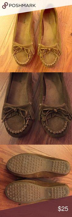 Minnetonka, Moccasins Worn once. Minnetonka Shoes Moccasins