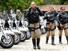 POLÍCIA RODOVIÁRIA FEDERAL http://www.dsvc.com.br/2012/destaques/policia-rodoviaria-federal-inicia-operacao-fim-de-ano/