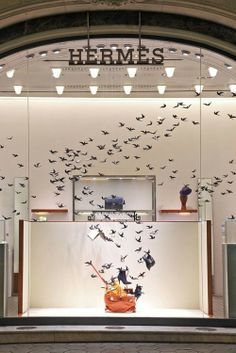 "Hermès, ""what bird is famous for stealing things?"", pinned by Ton van der Veer"