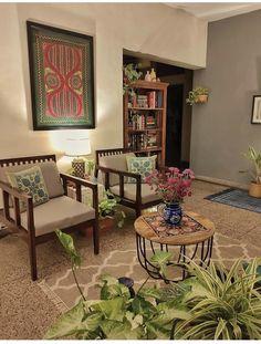 Blue Bedroom Decor, Decor Home Living Room, Living Room Decor Inspiration, Living Room Decor Traditional, Indian Living Rooms, Colourful Living Room, Home Decor Furniture, Living Room Designs, India Home Decor