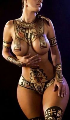 Body Paint, Egyptian Goddess  I just have to say how gorgeous her hips and thighs are.  Everything about her is beautiful.