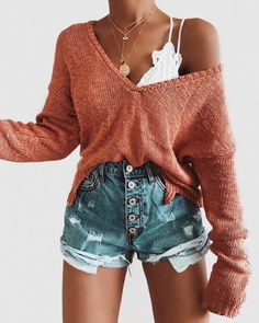 Heiße Mama High Rise Distressed Denim Shorts - Outfit ideen - Still Cute Comfy Outfits, Cute Summer Outfits, Spring Outfits, Casual Trendy Outfits, Casual Shorts Outfit, Cute Outfits With Shorts, Modest Shorts, Ootd Spring, Shorts Outfits Women