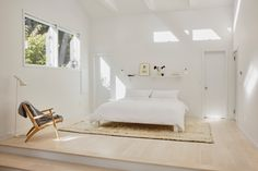 Lisa Jones' Shelter Island House Master Bedroom, Photo by Jonathan Hokklo