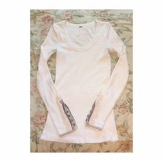 Free people oat meadow fiesta cuff thermal EUC. Size small. The color is Oat, aka ivory. I will either sell or trade, so both offers are welcome. See pic four for condition: 1.) Clean armpit areas 2.) one small Grey-ish dot on the back of the sleeve 3.) one small pull in the front. Ask any questions! Free People Tops