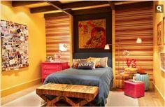 Use e abuse de papéis de parede! Com #trabalhodeumdia, quarto decorado, iluminado e cheio de vida!!!!! <3