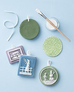 Tutorial for making faux Jasperware ornaments, from Martha Stewart.  I love the look of these... just have to find some decently-priced cookie molds now.