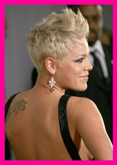 """Pop/rock singer PINK had a GREAT performance """"So What"""" on the 2008 VMAs"""
